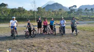 tour sepeda jogja menikmati kabut pagi lereng merapi